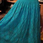 Falda azul marino a crochet y ganchillo