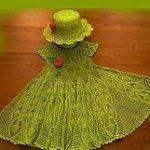Foto del vestido verde con sombrero